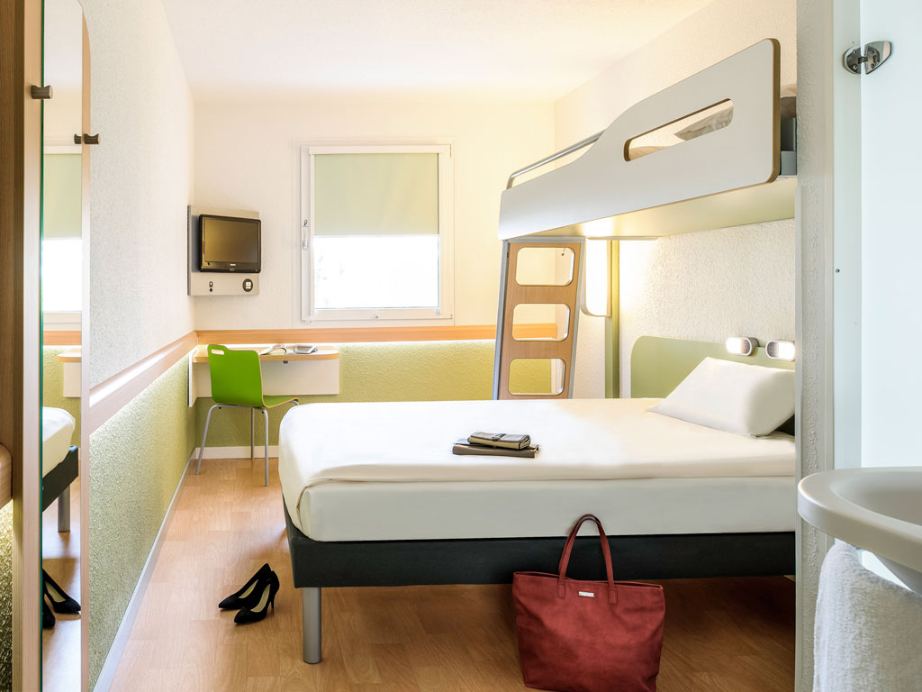 hotel ibis budget montpellier sud pr s d 39 ar nes. Black Bedroom Furniture Sets. Home Design Ideas