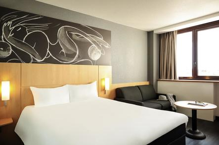 hotel ibis montpellier centre com die. Black Bedroom Furniture Sets. Home Design Ideas